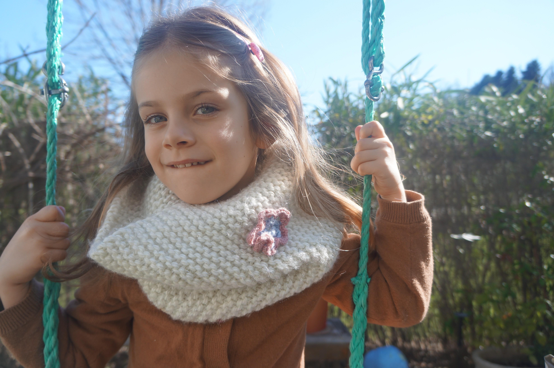 Snood enfant. Snood pour enfant réalisé en tricot ... e89bb6b72c3