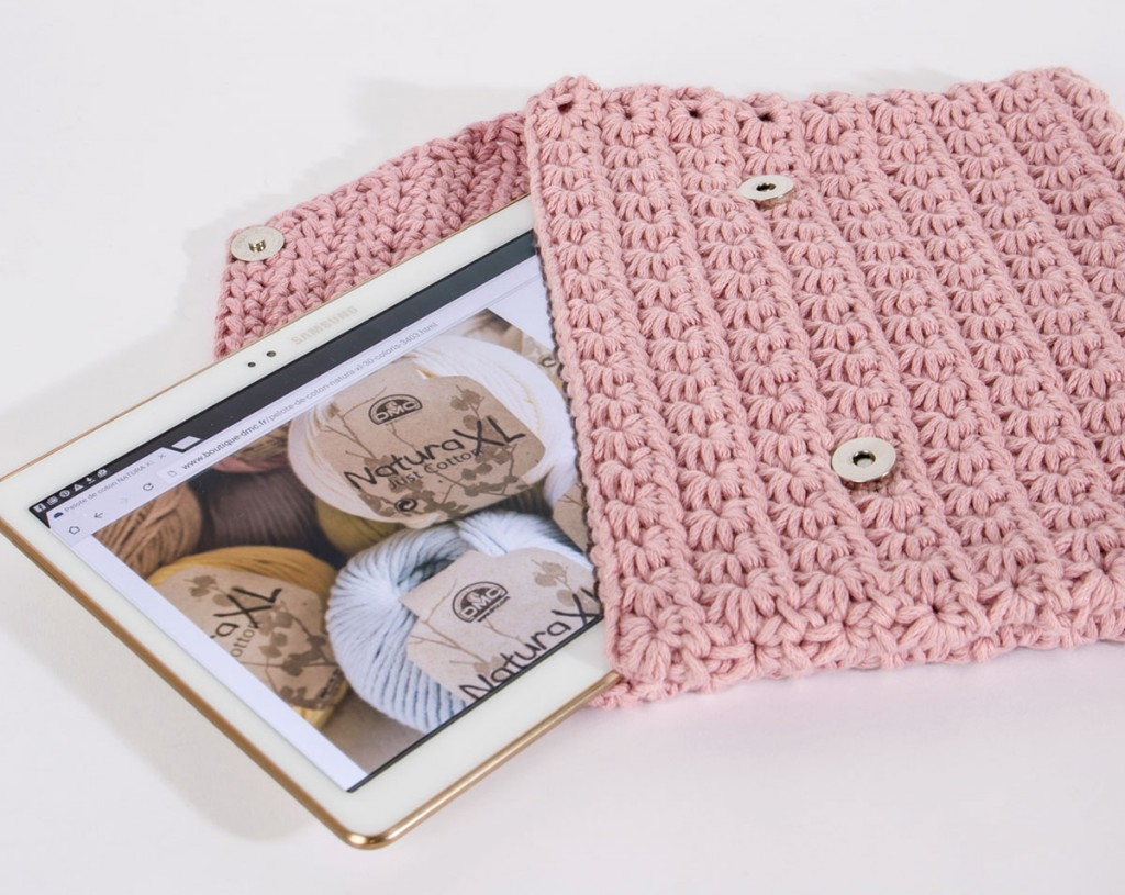 tuto pochette au crochet pour tablette mouton rose. Black Bedroom Furniture Sets. Home Design Ideas